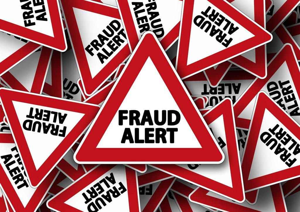 arnaques, attention, google, fraude, vigilance, ape